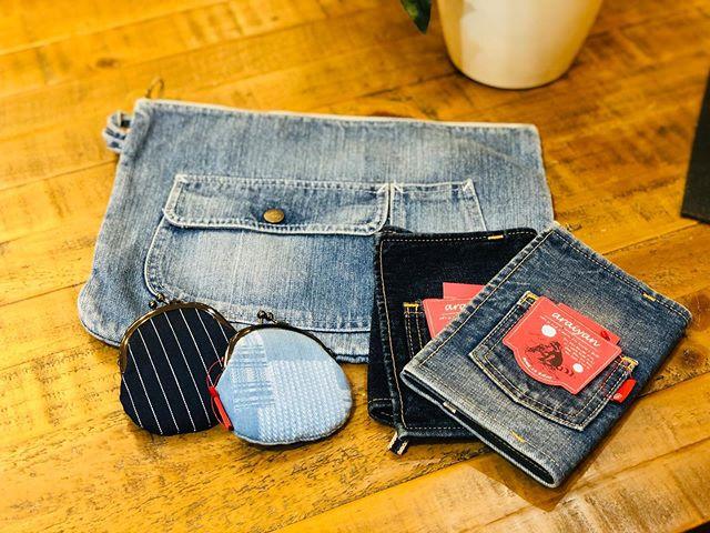 【高クオリティ!世界中の人々から愛されているメイドインジャパンデニム】創業50年以上の岡山県の工場で作り出されるデニムグッズ。その一つひとつに熟練の職人が染色、縫製、さらには「洗い」の技術を重ねて作り上げたクオリティーの高さが現れているのが特徴です。世界が認めたメイドインジャパンのデニムは、使用するたびに、風合いがでて経年変化を楽しむことができるのです。BICASAは、魅力ある岡山デニムを使用したワークショップでみなさまにワクワクをお届けいたします! ・【ファミリーフェス inはちおうじ みんなのキャンバス 】今週末、こちらに出店します!10月26日 土曜日 10時〜16時八王子駅南口サザンスカイタワー八王子1階広場ビカーサは22番です!BICASAの世界観が味わえるブースになっていると思います!贅沢に岡山デニムを使用したワークショップや、人気の雑貨などもご用意しておりますので、是非遊びに来てください🤗#bicasa #ビカーサ #bicasa八王子 #ビカーサ八王子 #八王子 #bicasa本店 #ヴィンテージインテリア #ヴィンテージスタイル #西海岸 #西海岸インテリア #西海岸スタイル #西海岸テイスト #カリフォルニアスタイル #カリフォルニアハウス #カリフォルニアインテリア #インダストリアル #インダストリアルインテリア #インダストリアルスタイル#デニム#岡山デニム#児島デニム#ワークショップ#みんなのキャンバス