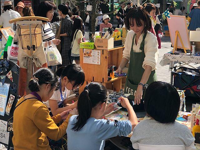 岡山デニムを使ったワークショップも大盛況です!!みんなのキャンバスは16時まで!是非お越しください #ビカーサ #みんなのキャンバス
