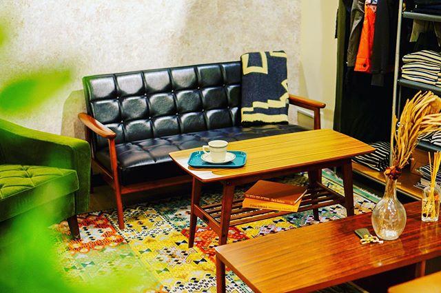 日本を代表する老舗家具メーカー・カリモク家具の「60VISION」プロジェクトブランド、「カリモク60」がビカーサ八王子本店に入荷いたしました!1960年代に製造され今もなお作り続けられている名作プロダクトたち…。Kチェア、ロビーチェアをはじめ、リビングやダイニングのコーディネートを展示しております。ビカーサ八王子本店にぜひご来店ください!#bicasa #ビカーサ #bicasa八王子 #ビカーサ八王子 #八王子 #bicasa本店 #ヴィンテージインテリア #ヴィンテージスタイル #西海岸 #西海岸インテリア #西海岸スタイル #西海岸テイスト #カリフォルニアスタイル #カリフォルニアハウス #カリフォルニアインテリア #インダストリアル #インダストリアルインテリア #インダストリアルスタイル#カリモク#カリモク60#レトロ家具#kチェア#ロビーチェアー